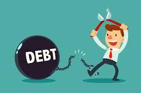 chiudere società con debiti